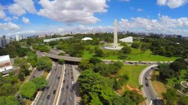 Obelisk and Ibirapuera Park of Sao Paulo — Stock Video