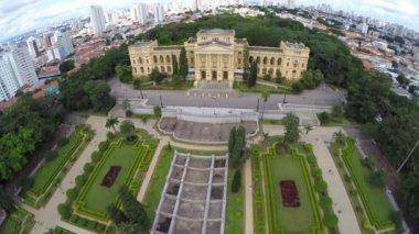 Aerial view of the Ipiranga Museum — Stock Video