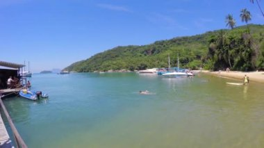 Famous Praia do Pouso in Ilha Grande — Stock Video