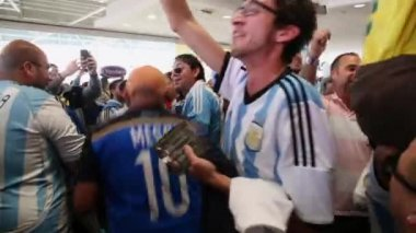 Argentina fans sing before the mach — Stock Video
