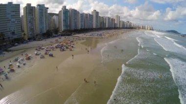 Célèbre plage de la côte brésilienne — Vidéo