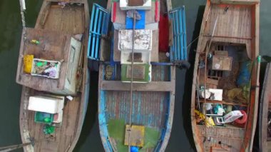 Native Community Boat Pear — Stock Video