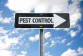 Pest Control direction sign — Stock Photo
