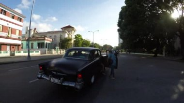 Old Car on Vedado district in Havana — Stock Video