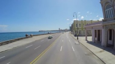 Driving in the famous Malecon Avenue — Stock Video