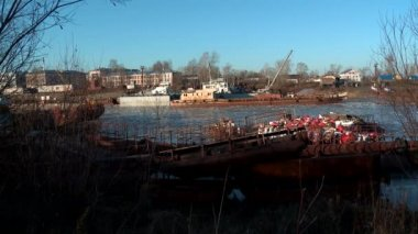 Old river ships become for the winter (North Russia) — Stock Video