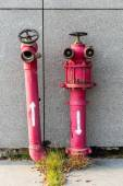 Rusty Pipeline dentro e fora de controle para água — Fotografia Stock