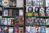 Book market in Havana, Cuba — Stock Photo