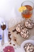 Čaj s citronem a sladkosti — Stock fotografie