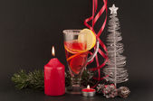 Tea and Christmas tree — Stockfoto