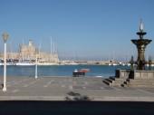 Mandraki port in Rhodes — Stock Photo