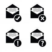 Letter envelope black vector — Vector de stock