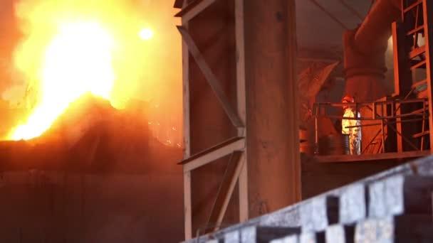 Fábrica de fabricación de acero — Vídeo de stock