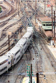 Washington, DC -Trains and overhead cables at Union Station — Stock Photo