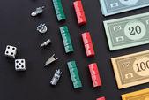 08 de febrero de 2015: Houston, Tx, Usa. Dinero de monopolio y jugando — Foto de Stock