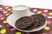 Chocolate cookies and glass of milk — Foto de Stock