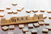 Scrabble ordspel trä plattor stavning vågar att misslyckas — Stockfoto