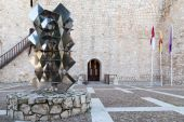 Sculpture in the Castle Square — Stock Photo