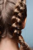 扎着辫子,从后面的美女模特 — 图库照片