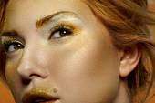 Fashion beauty Female blonde Model with gold Face — 图库照片