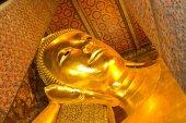 Buddha gold statue — Stock Photo