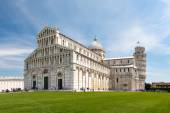 Beautiful view of the Cathedral and the Tower of Pisa. — Stock Photo