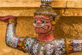 Red Giant Guardian in Wat Phra Kaew temple ,bangkok,thailand — Stock Photo