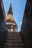 Pagoda and Buddha Status at Wat Yai Chaimongkol, Ayutthaya, Thai — Stock Photo