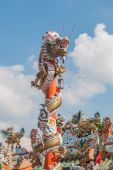 Chinese dragon on the red pole at Wat Phananchoeng, Ayutthaya, T — Stock Photo