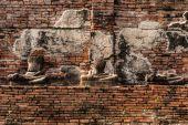 Pagoda och Buddha Status på Wat Yai Chaimongkol — Stockfoto
