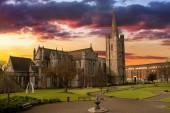 Katedrála svatého patrika v dublinu, irsko. — Stock fotografie