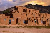 Adobe Houses in the Pueblo of Taos, New Mexico, USA. — Stock Photo