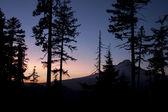 Colorful Twilight Vista of Mount Hood — Stock Photo