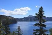 Kráterové jezero — Stock fotografie