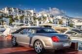 Luxury cars and yeachts in Puerto Banus, Marbella — Stock Photo