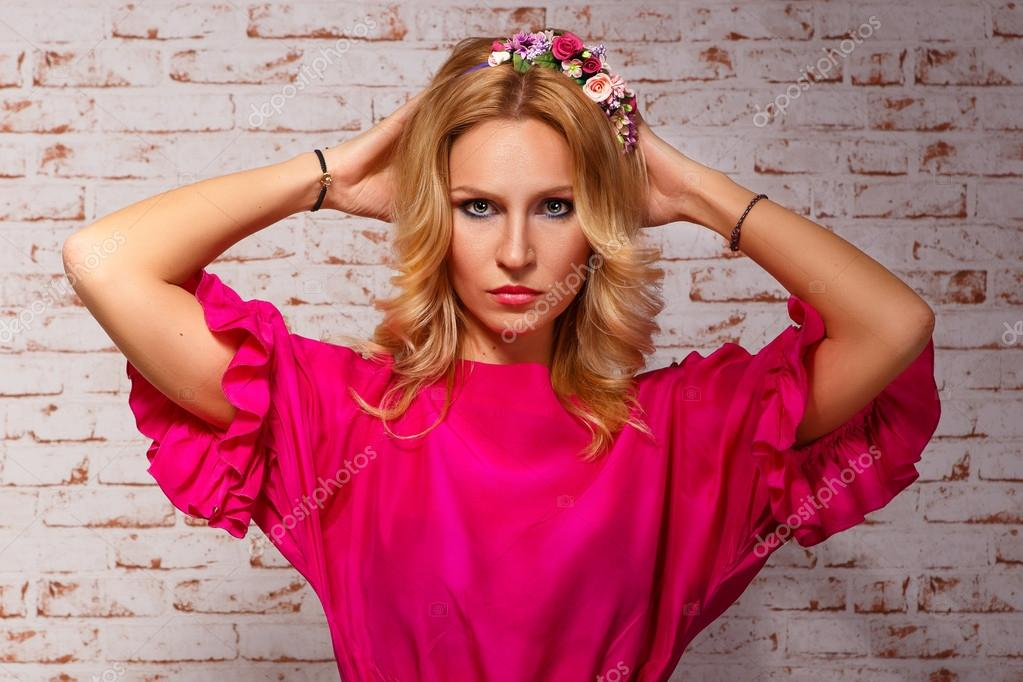 Фото гламурная девушка в розовом фото 322-396