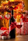 Wine tasting with christmas tree — Zdjęcie stockowe