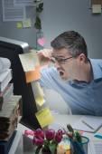Businessman reading shocking news online — Foto Stock