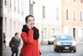 Confident woman walking in the city — Stock Photo