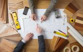 Businessman and construction engineer working together — Stock Photo