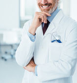 Professional doctor posing at hospital — Stock Photo