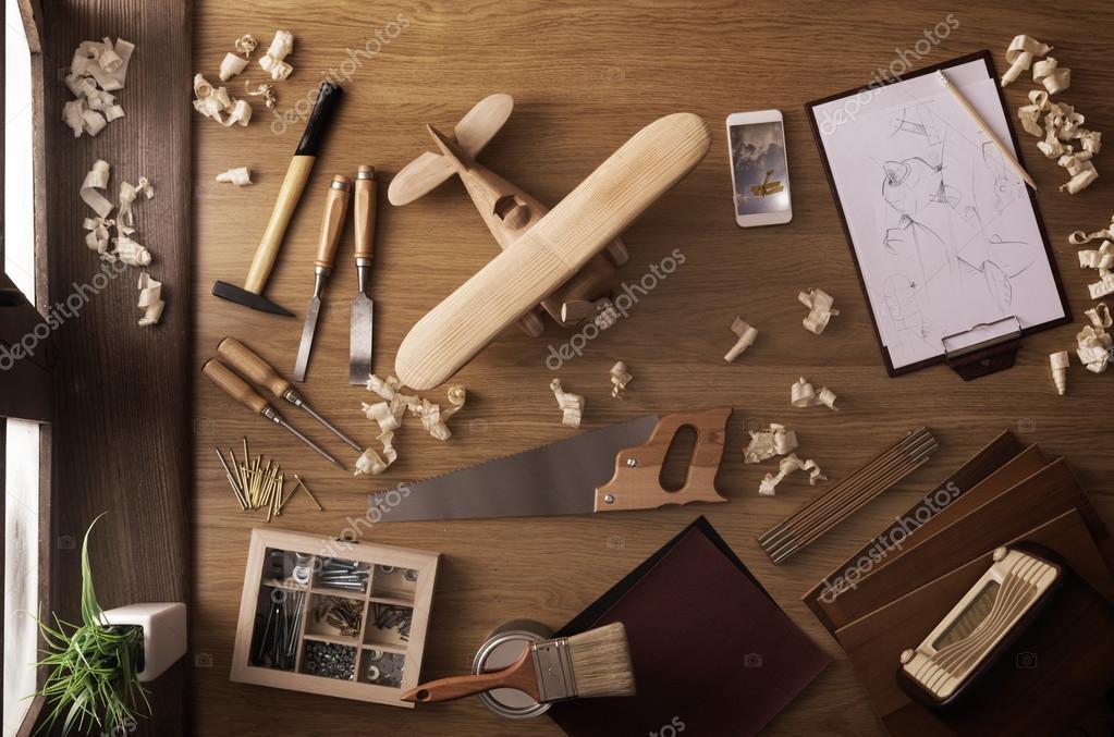 Progetto fai da te a casa aeroplano giocattolo di legno for Fai piani a casa