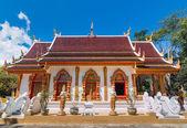 Buddhist church with Northern of Thailand Art Design. — Stockfoto