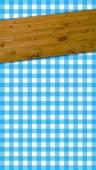 Tafelkleden patroon blauw wit met houten balken — Stockfoto