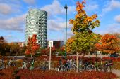 Bicycle parking in the modern landscape — Stock Photo