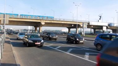 Car Traffic Under Subway Bridge — 图库视频影像
