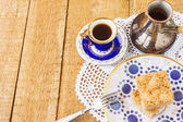 Homemade apple pie and coffee on wooden table — Foto de Stock
