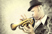 Blues man performing with his trumpet in the night — Stock Photo
