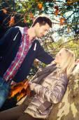 Loving couple gazing eye to eye — Stockfoto