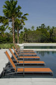 Pool and Sunloungers — Stockfoto